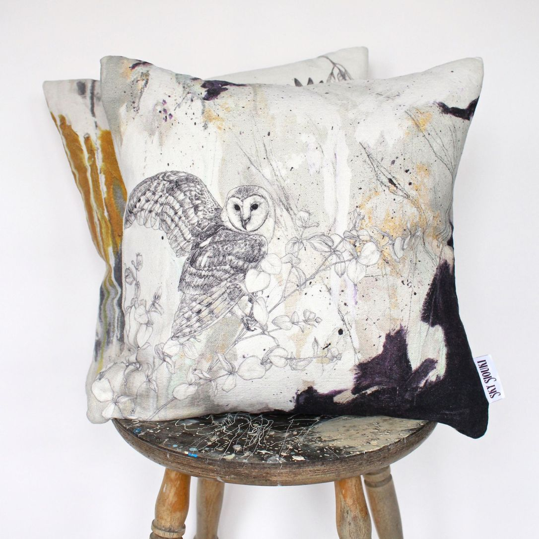 skysiouki-barn-owl-cushion